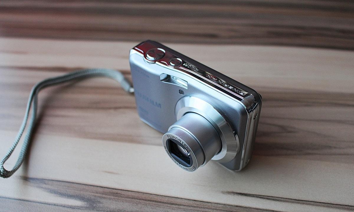 digital-camera-600644_1280