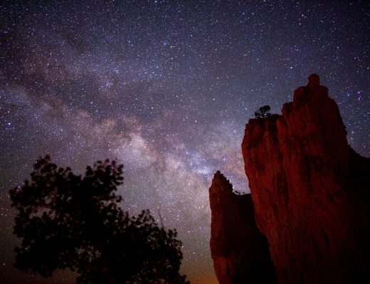 the milky way above the hoodoos of bryce canyon national park