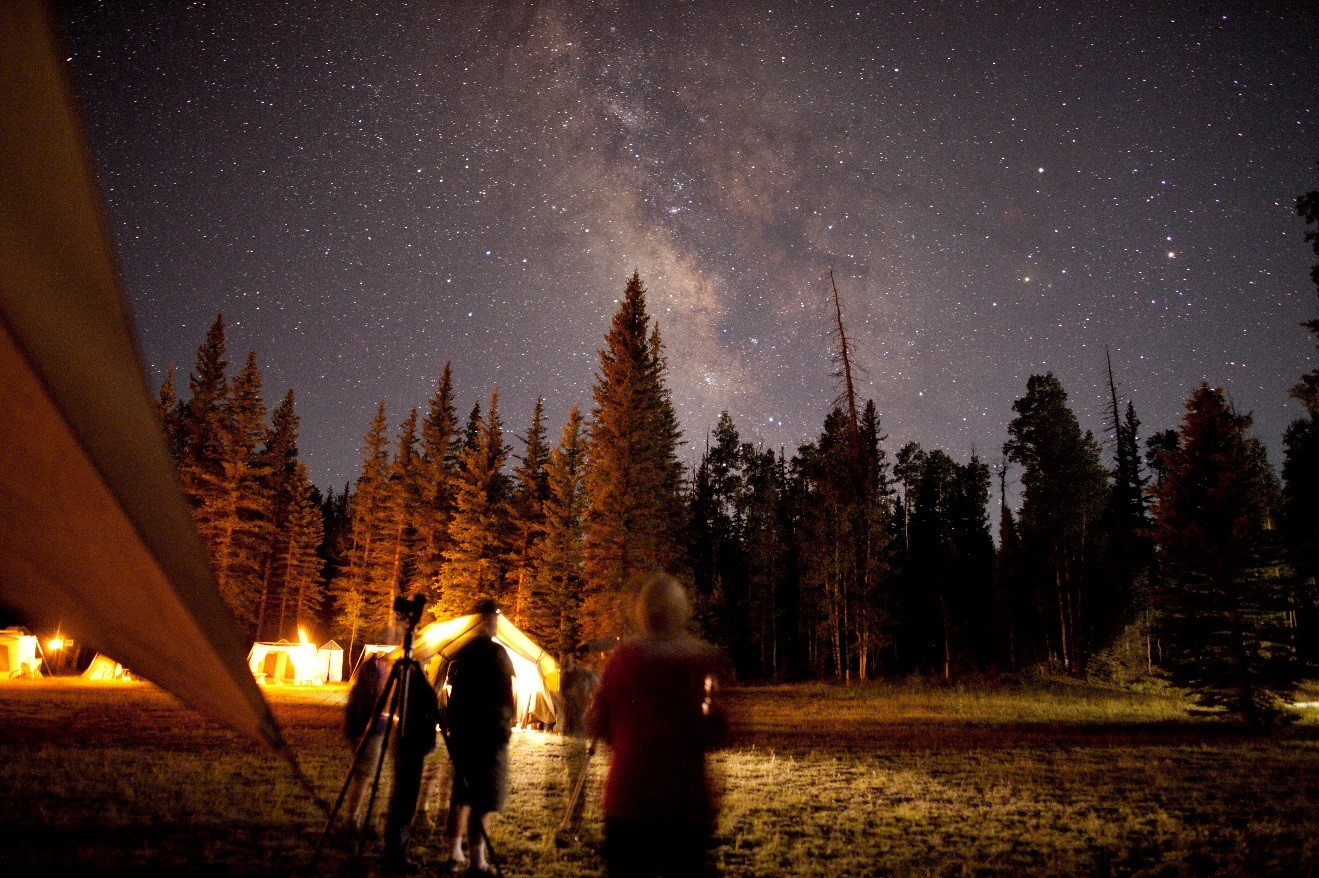 milky way and star gazing in the kaibab forest near the grand canyon north rim